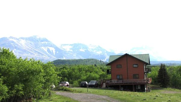 Hotel Pictures: Payne Lake Lodge, Mountain View