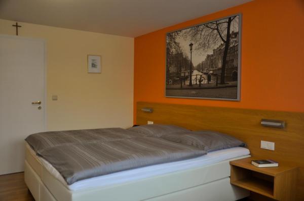 Hotellikuvia: Zum Burghof, Schoenberg