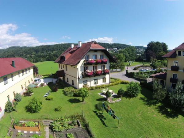 Foto Hotel: Windischhof, Velden am Wörthersee