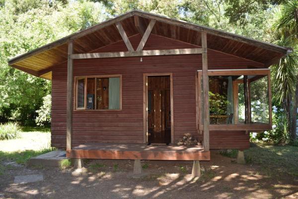 Hotel Pictures: Cabañas y Camping Santa Clara, Niebla