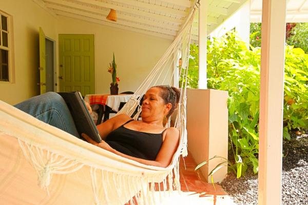 Hotel Pictures: Bluemoon Cottage, Morne Prosper