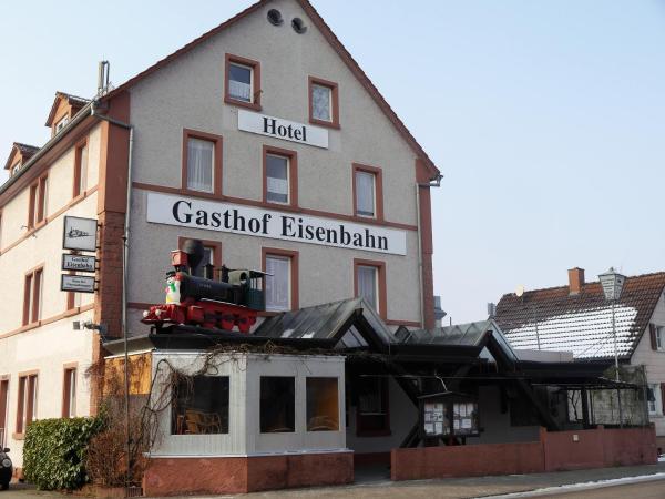 Hotel Pictures: Hotel-Gasthof-Destille-Eisenbahn, Mosbach