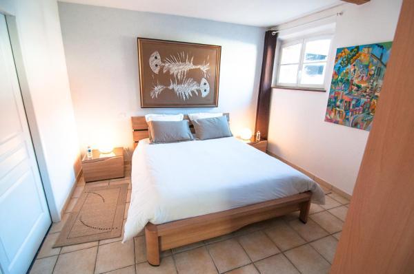 Hotel Pictures: Relais du Beffroi Gîtes, Saint-Riquier