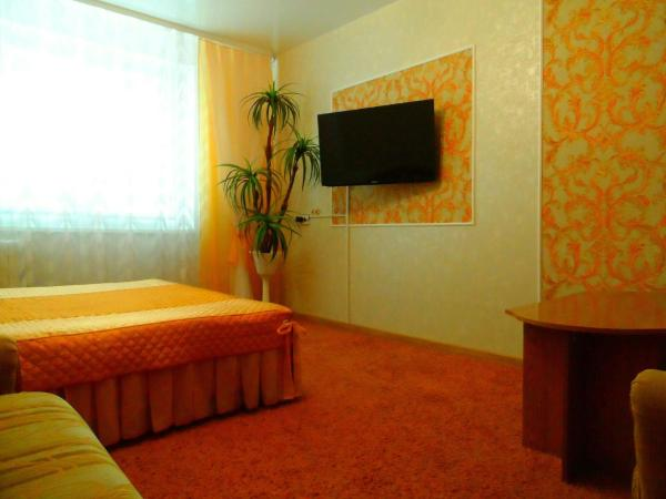 Hotel Pictures: Apartment Posutochno, Lida