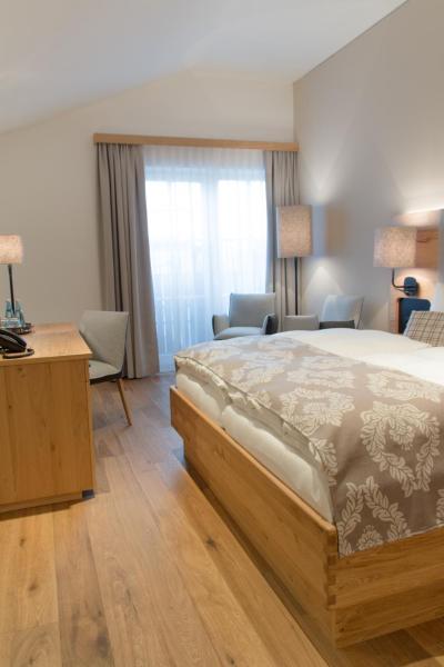 Fotos do Hotel: Landgasthaus Helpfauer Hof, Uttendorf