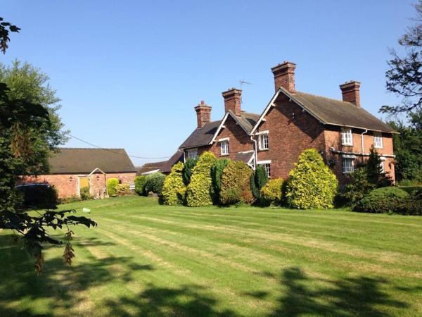 Hotel Pictures: Balterley Green Farm, Barthomley