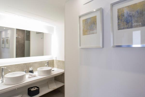 Hotel Pictures: Casa De Poble Termes Romanes, Caldes de Montbui