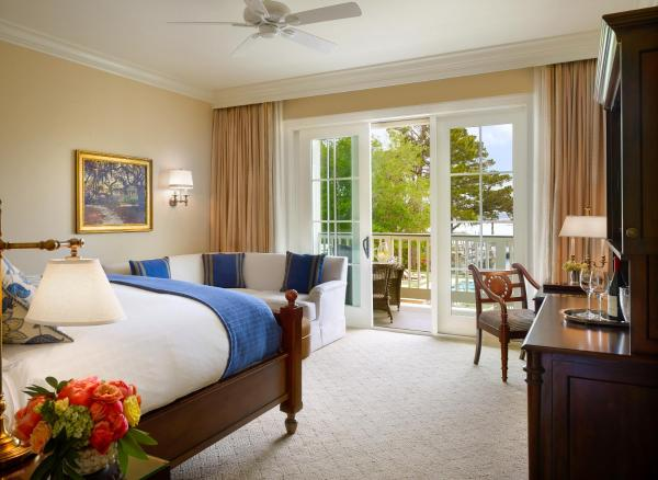 King Room with Lagoon View - Guest House