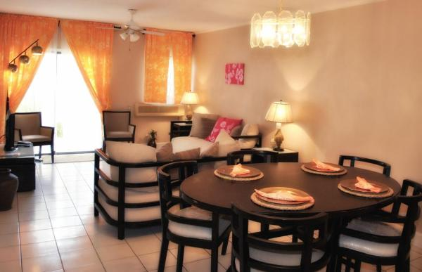 Hotel Pictures: Town House Living Cable Beach, Cable Beach
