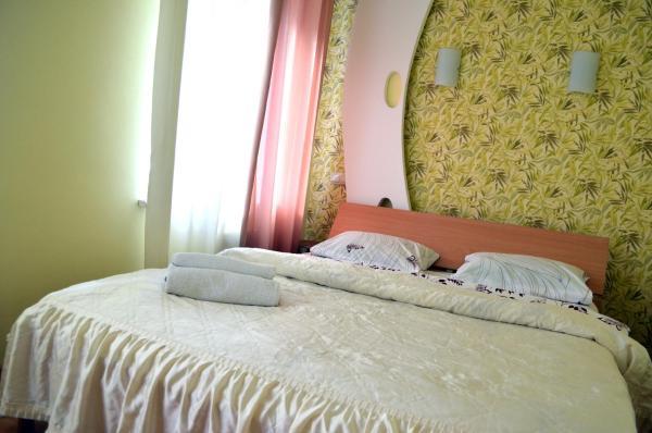 One-Bedroom Apartment - Sofiivska Street 4
