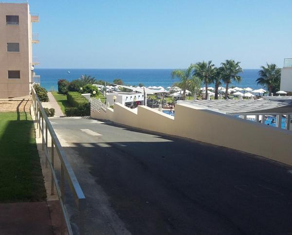 Hotel Pictures: Protaras Sea View Apartment, Paralimni