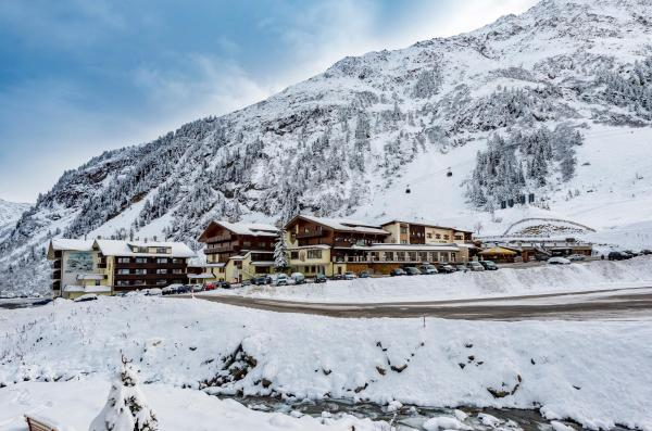 Hotel Pictures: Alpensporthotel Mutterberg, Mutterbergalm