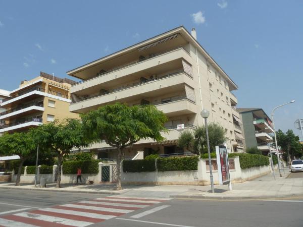 Hotel Pictures: Villa Service Yolanda, Segur de Calafell