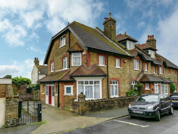 Hotel Pictures: Goodwin Cottage, Broadstairs