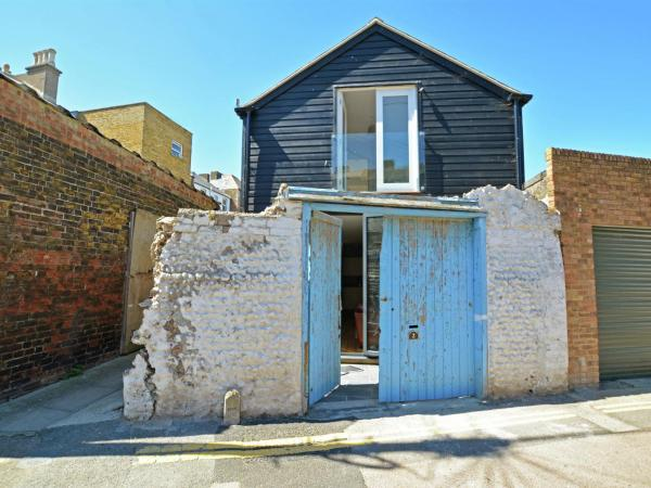 Hotel Pictures: The Sail Loft, Ramsgate