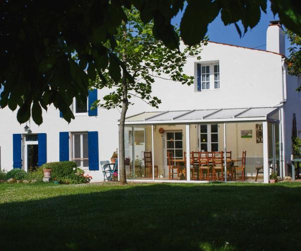 Hotel Pictures: Cynlyns Le Ruisseau dans Le Marais, Saint-Savinien