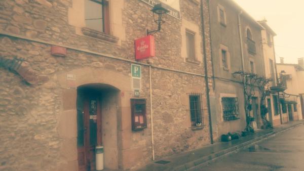 Hotel Pictures: Hostal La Vall, Granollers de Rocacorba
