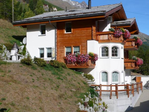 Hotel Pictures: Piccolo II, Saas-Grund