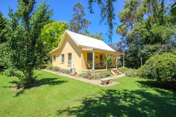 Hotellbilder: Harrietville Cottage, Harrietville