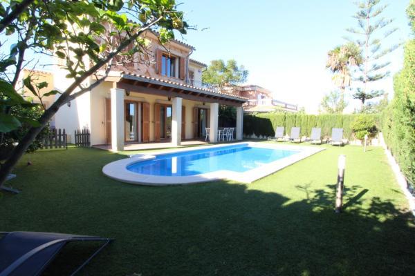 Hotel Pictures: Villa Puerto Adriano, El Toro
