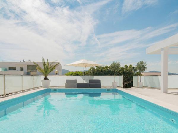 Hotel Pictures: Villa Destino 5 Talamanca 2, Talamanca