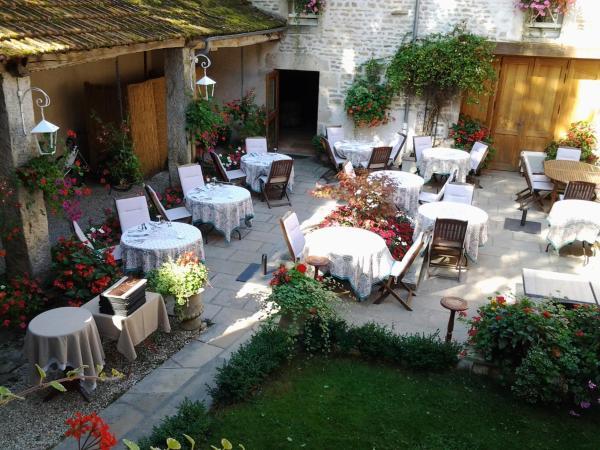 Hotel Pictures: Auberge du Pot d'Etain, L'Isle-sur-Serein