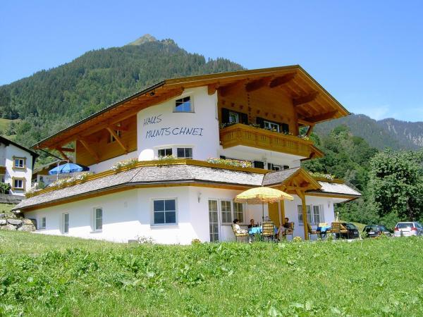 Foto Hotel: Haus Muntschnei, Sankt Gallenkirch
