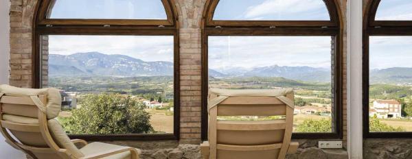 Hotel Pictures: Emphasis, Caserras
