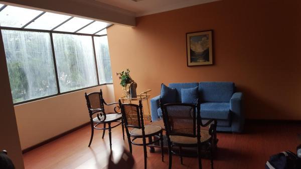 Hotel Pictures: Departamento amoblado en Loja, Loja