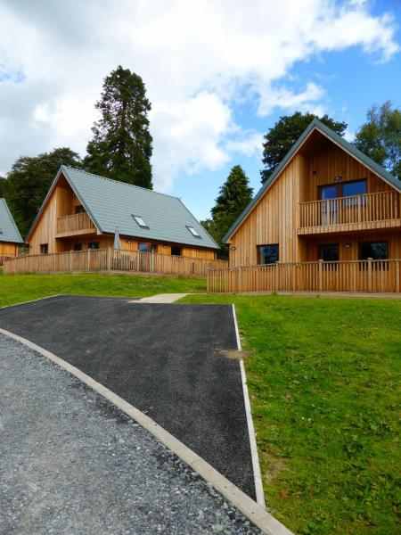 Hotel Pictures: Lord Galloway Lodges, Newton Stewart