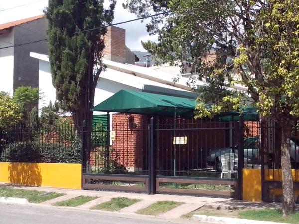 Фотографии отеля: Cabañas Duplex Los Pinos, Мерло