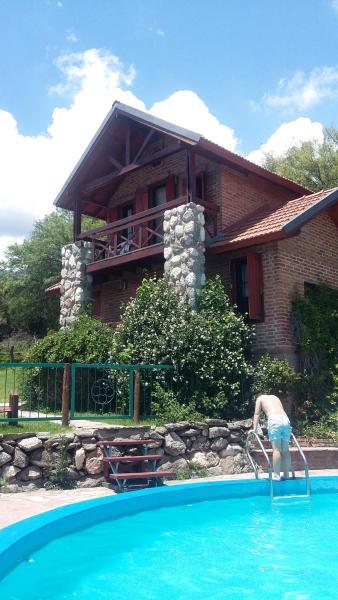 Фотографии отеля: Cabañas Los Nogales, Мерло