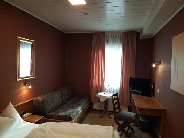 Hotel Pictures: Hotel Schnecken-Schröder, Messel