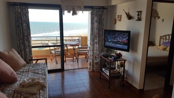 Hotellbilder: Departamento Arpon IX en la playa villa gesell - 4to piso, Villa Gesell