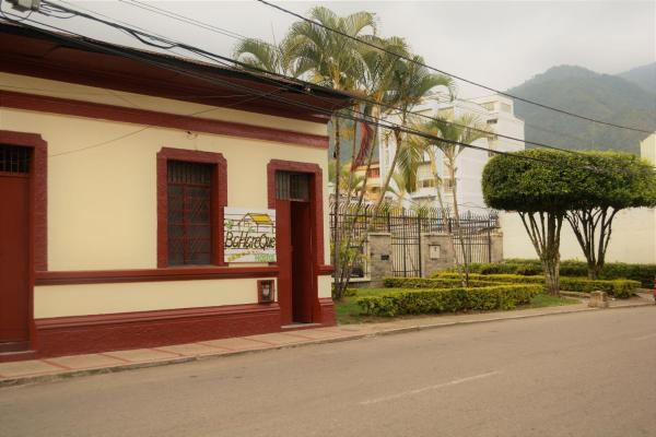 Hotel Pictures: Bahareque Hostal, Ibagué