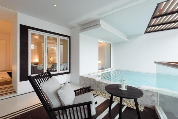 King Suite with Private Pool (2 Adults)