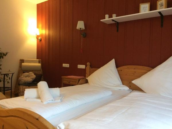 Hotel Pictures: Pension Glücklich, Horgenzell