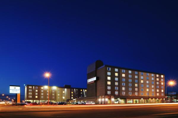 Hotel Pictures: Pomeroy Hotel & Conference Centre, Grande Prairie
