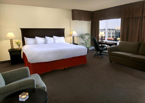 Hotel Pictures: Quality Inn & Suites Yellowknife, Yellowknife