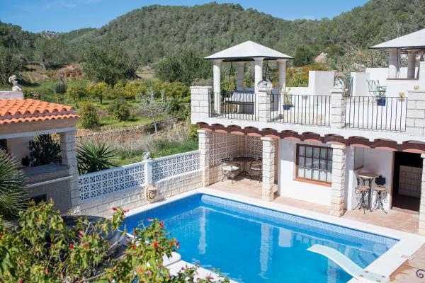 Hotel Pictures: Villa Lilac, Santa Agnès de Corona