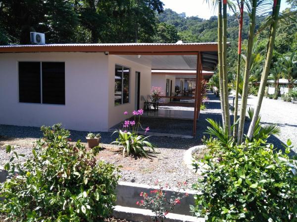 Hotel Pictures: Puerto Vargas lodge, Cahuita