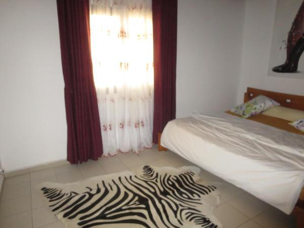 Hotel Pictures: Appartement Duplex Chic à Bali Douala, Douala