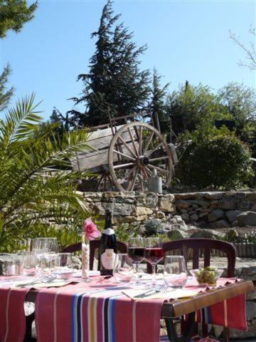 Hotel Pictures: Auberge la Table du Curé, Cucugnan