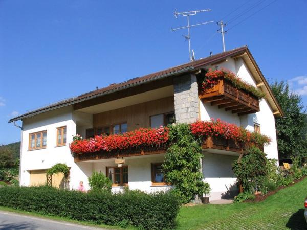 Hotel Pictures: Ferienwohnung Im Schmalzdobl, Ringelai
