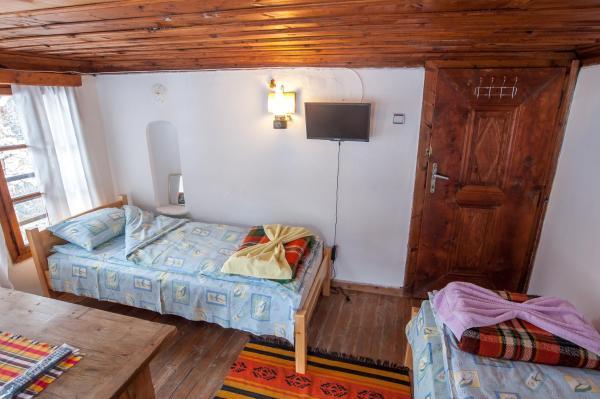 酒店图片: Hadzhiiskata Guest House, Shiroka Lŭka