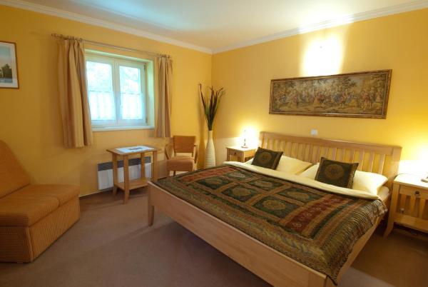 Hotel Pictures: Garni Hotel 1.Plavební, Lednice