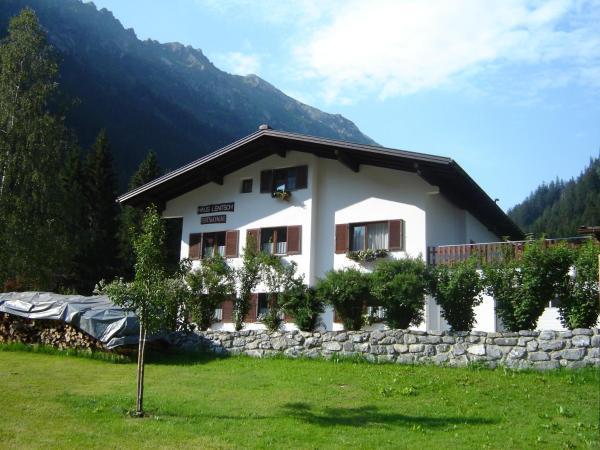 ホテル写真: Haus Daniela, Partenen
