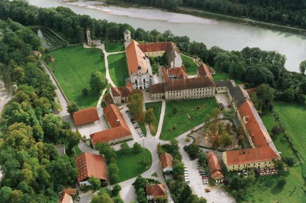 Hotelbilleder: Klostergasthof Raitenhaslach, Burghausen