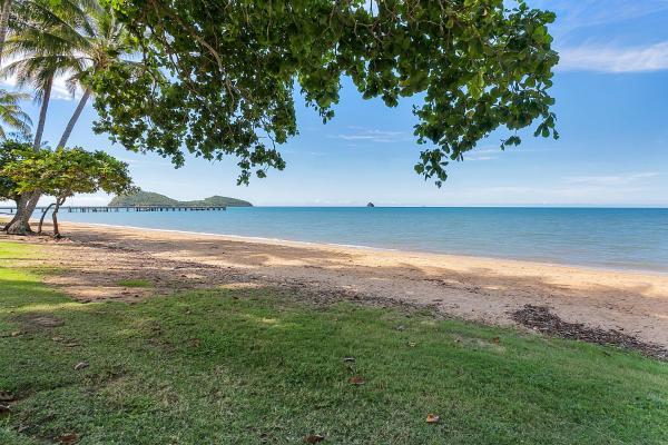 Hotellbilder: Sea Temple Palm Cove Apt 316, Palm Cove