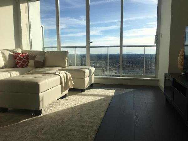 Hotel Pictures: Stunning 3 bedroom Penthouse, Surrey